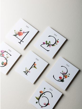 Simply gorgeous ideas for the minimalist bride.                                                                                                                                                                                 Más