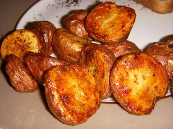 oven roasted baby red potatoes- the perfect side dish!