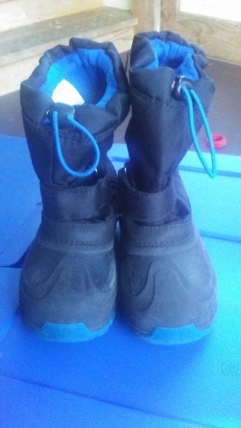 huge selection of 2fd1b 9c7bc Boys Youth Cat And Jack Snow winter boots Sz 13 Black Blue Thermolite   fashion