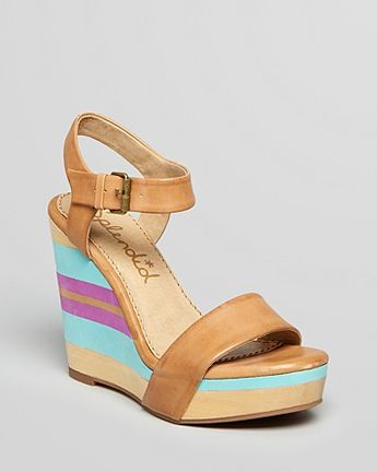 85b638b49535 Splendid Wedge Sandals - Kikka Striped