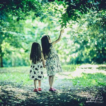 Sisters share childhood memories & grown up dreams. #children #childphotography #childphotographer #toddlerphotography #toddlerphotographer #toddler #childrenphotoshoot #toddlerphotoshoot #familyportrait #photoshoot #photoshootchild #canon #canonphotography #canonphotographer #canonphotographers #canonmarkiii #canonmark3 #canonmarkiii5d #canonmark5diii #family #familyphotography #familyphotoshoots #familyphotosession #familyphoto #familypic #familypics #canonfamily #sisters