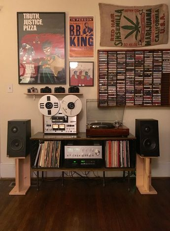 Reddit - audiophile - My college setup! Fell in love with vintage audio last year and have been slowly building and evolving my system. So happy with where it's ended up! Components are: Yamaha CA-810 Integrated Amplifier Denon DP-60L Turntable Nakamichi CR-3A Cassette Deck Pioneer RT-1020L Reel to Reel JBL L1 Speakers