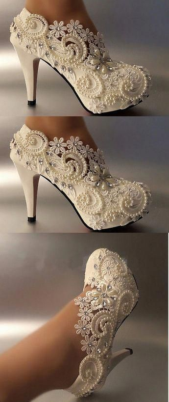 15 Most Trendy and Comfortable Bridal Footwear – STYLEATEAZE.COM #weddingshoes