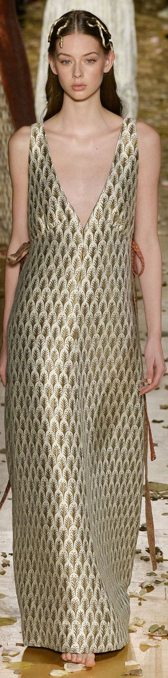 Valentino spring 2016 Couture: