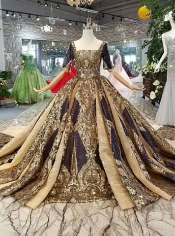 Gold Ball Gown Sequins Square Short SLeeve Backless Wedding Dress With Train