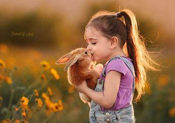 Bir Annenin Objektifinden Kızının Hayvan Sevgisi