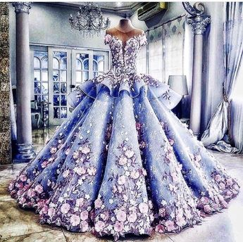 a beautiful floral dress🌸