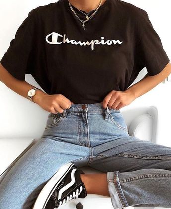 Vans sneakers | Levi's Jeans | champion tees | fall style