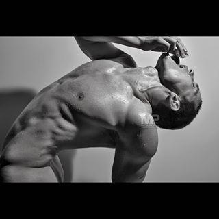 . . Model> @lyoshabuddha . . 📷 @scottmarrsphotography ... #menasart #photography #blackandwhitephotography @ig_leanmuscles @hunkclub @mmscene @modelsviews @spectacular_body @aesthetic_fitness_models #sg_sexyguys @male_model_beauty @maleformandbeauty @haute_nola #sfphotographer #male #scottmarrsphotography