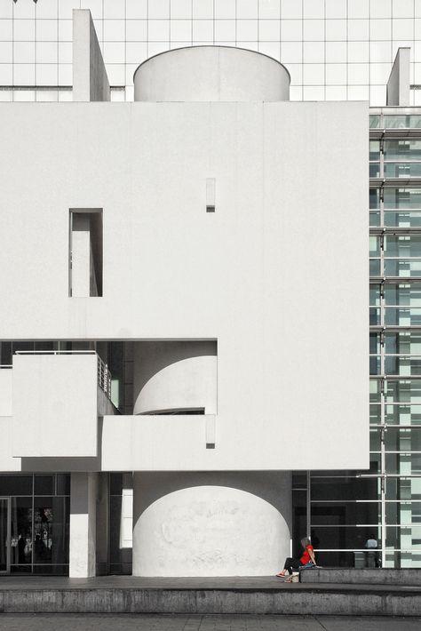 Spain - Barcelona - MACBA Facade