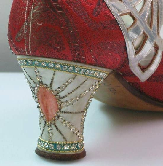 1920's shoes - stunning, they new how to accessorize back then!!