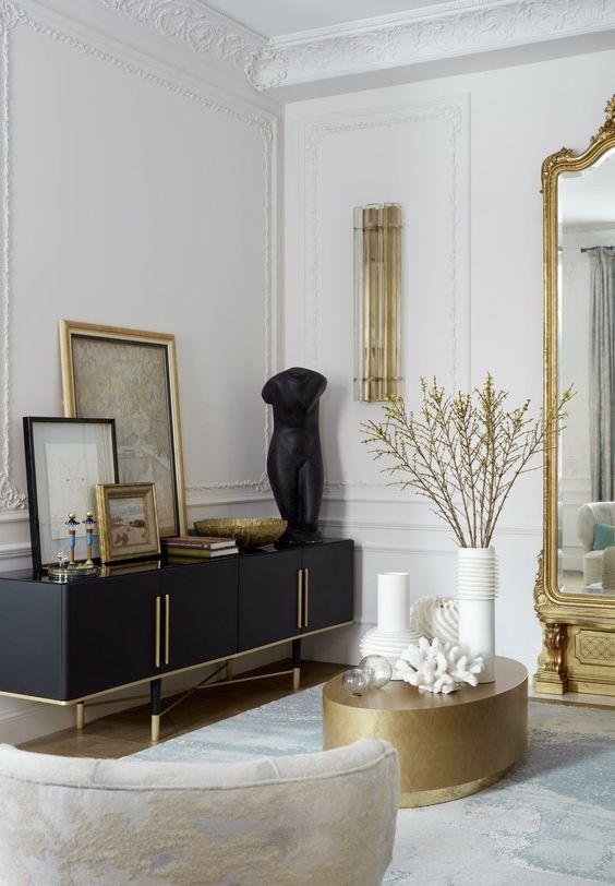 lichte klassieke woonkamer