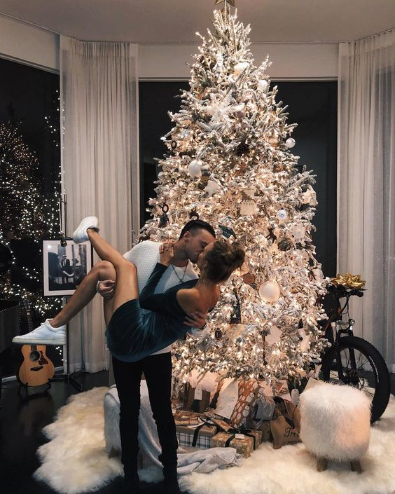 Decorate a Christmas tree together - 17 non-cheesy winter date ideas for when it's cold outside - Todaywedate.com