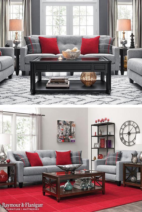 Warna merah sebagai aksen di ruang keluarga yang hangat.