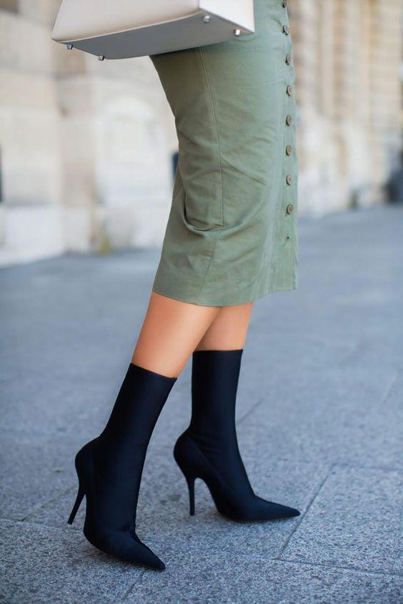 botin-calcetin-falda-tubo. Tendencia: botas calcetín y cómo llevarlas con estilazo