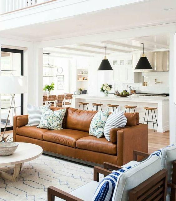 Nên mua sofa da tphcm cho phòng khách chung cư thêm thời thượng
