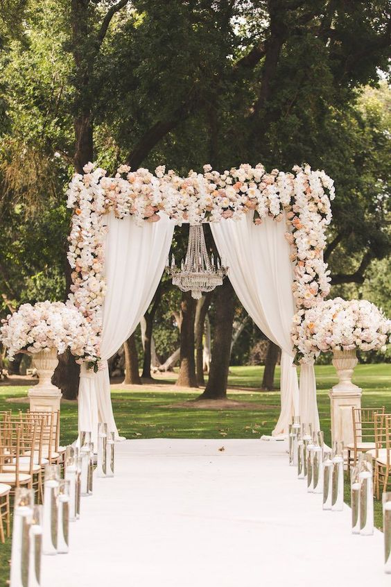 If you imagine the equivalent of a Disneyland for brides, this California wedding would be it. Prisca and Cash tied the knot in style and their dream wedding couldn't be more magical! The bride shares that she allowed her wedding to also be her mother's as the two made all the decisions together — a […]