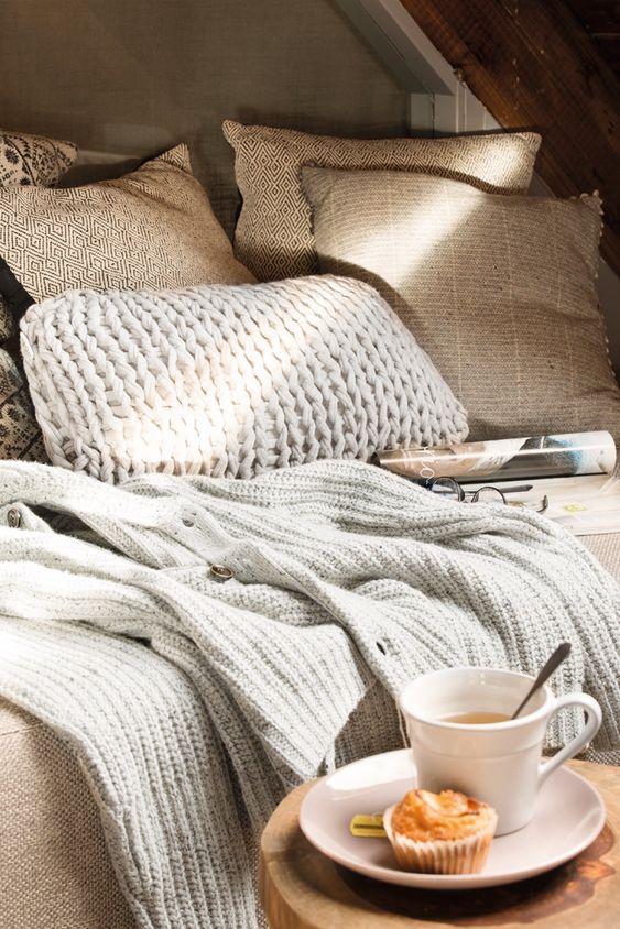 DSC9841. cama con mantas de punto en invierno
