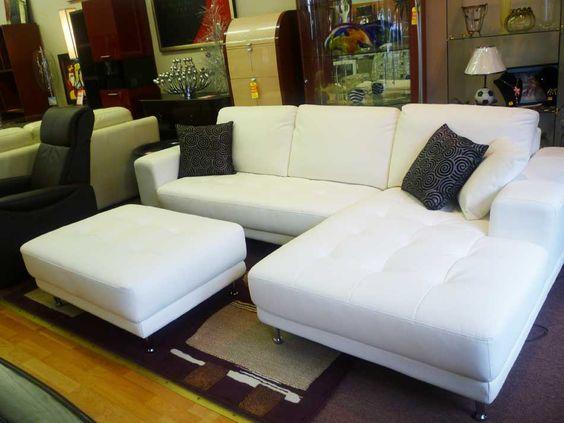 Những mẫu phòng khách chung cư đẹp với sofa da tphcm màu trắng