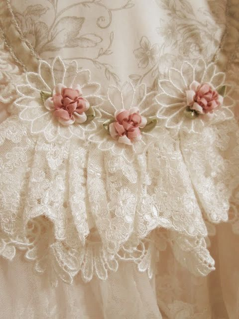 Rosettes and Lace ♥
