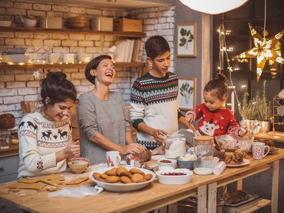 Study Reveals Most Americans Are Determined to Pass on Their Family's Quirky Holiday Traditions #christmas #tradition #holiday #family
