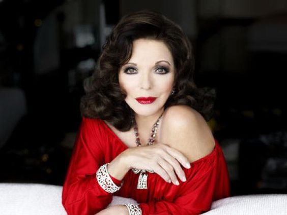 joan collins at 77   Joan Collins still has loads of charm at the age of 77 and puts them ...