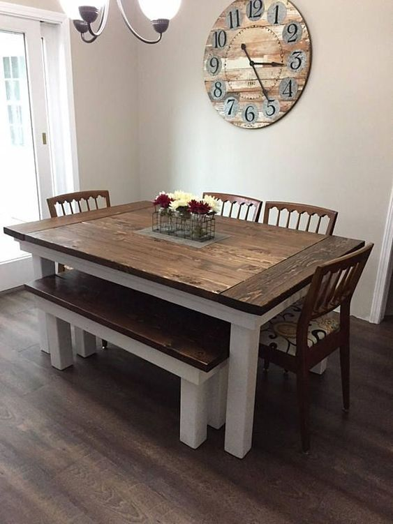 Nice 47 Simple Dining Room Decor Ideas With Farmhouse Style. More at https://dailyhouzy.com/2018/09/10/47-simple-dining-room-decor-ideas-with-farmhouse-style/
