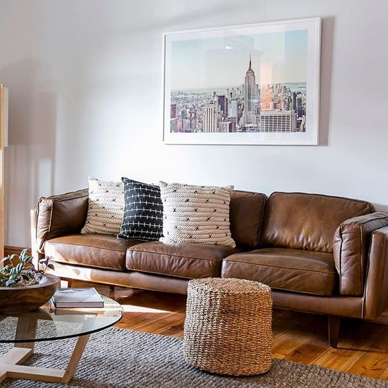 Phòng khách thu hút tài khí và quý nhân với sofa da tphcm