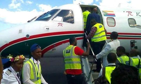 Vol d'inauguration de la nouvelle compagnie aérienne R Komor