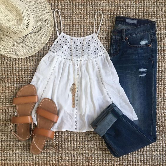 No outfit screams my name louder than this one. OMG I love that top and goes so perfect with that denim and those sandals! Love it all! via Aeropostale on Instagram... 20 Must Try Spring Outfits   The Crafting Nook by Titicrafty