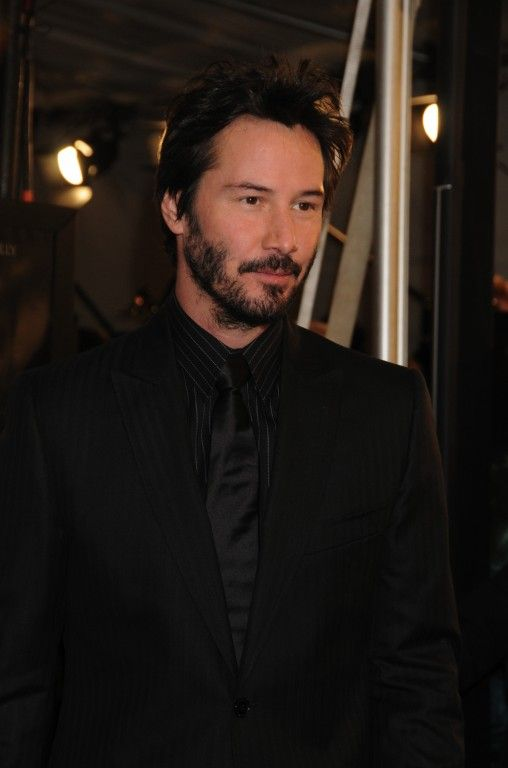 WHY DO WE LOVE KEANU? Because he really does look lovely in black. (chicfoo)…