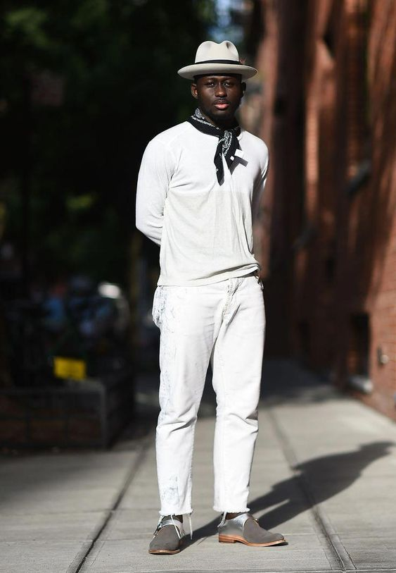 Browse the best street style looks from Men's Fashion Week Spring 2017 | all-white ensemble with black and white neckerchief #popularstreetfashion