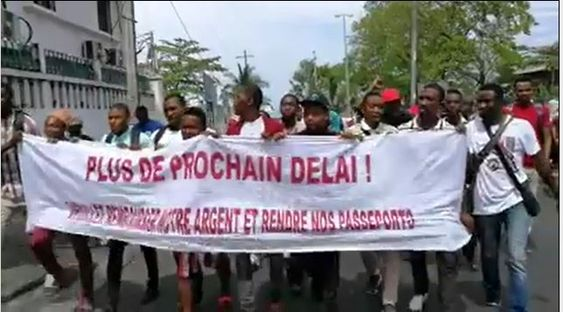 Manifestation: Les étudiants n'ayant pas obtenu les visas pour le Maroc demandent d'être remboursés