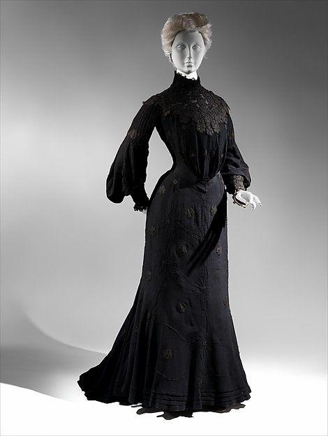 Mourning dress Date: ca. 1903 Culture: American Medium: silk/wool, silk