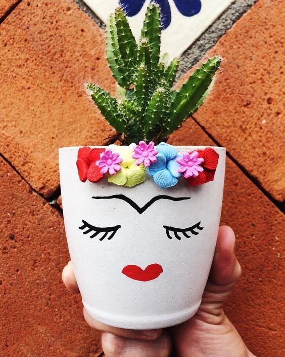 """MuyMuy Mexicano® (@muymuymex) en Instagram: """"La Frida, maceta de cemento decorada y hecha por @mosi.home #México #hechoenMéxico…"""""""