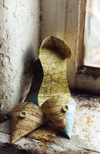 Map shoes by Jennifer Collier (Not real shoes, but still. Love.)