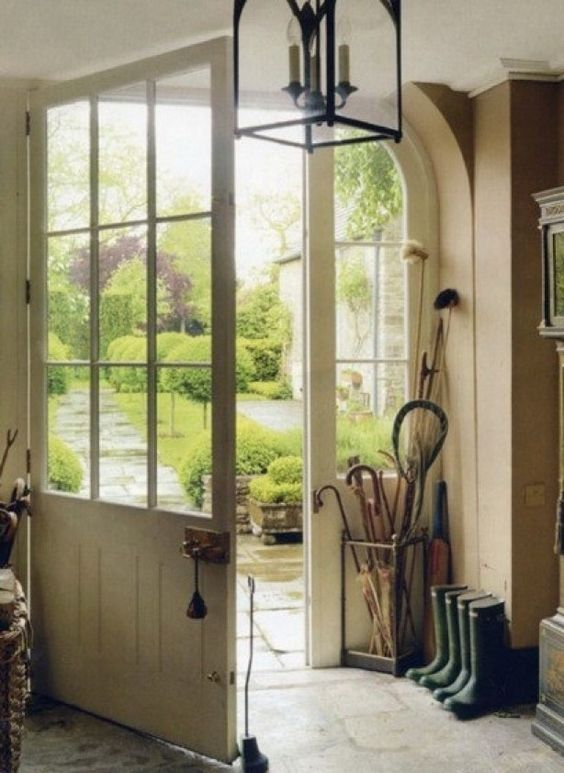 space: entryway in the English countryside. Simon Brown for House & Garden