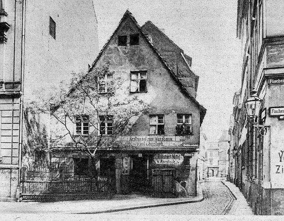 """BERLIN 1880, Gaststätte """"Zum Nussbaum"""" - das Orginal - im alten Nikolaiviertel in Berlin-Mitte"""