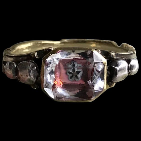 Редкое хрустальное кольцо Стюарта Около 1750 г.