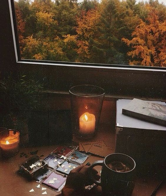 Goodmorning!  #seasons #autumn #fall #follow #aesthetic #tumblr #photography #cozy #festive #beauty #colourful #relax #leaves #reading #candle #nature