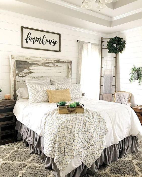 Rustic Farmhouse Bedroom Decorating Ideas To Transform Your Bedroom (5)