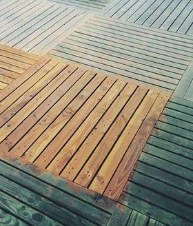 Aperçu du résultat d'un dégriseur pour bois avant et après utilisation