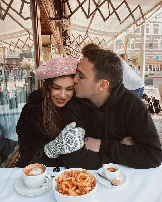 Brunch at a cafe that you've never been to before - - 17 heartwarming winter date ideas for when it's cold outside - Todaywedate.com