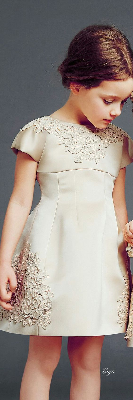 Ivory dress                                                                                                                                                                                 Mais