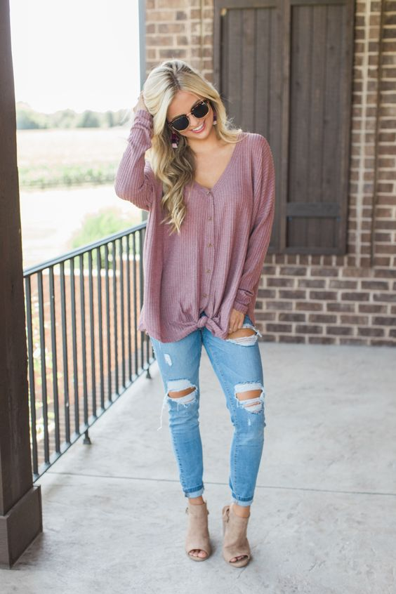 You can't go wrong with a timeless waffle knit blouse for fall afternoons - this gorgeous blouse is the perfect addition to your fall closet!