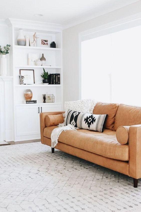 Mua sofa da thật ở đâu có nên quan tâm đến thương hiệu