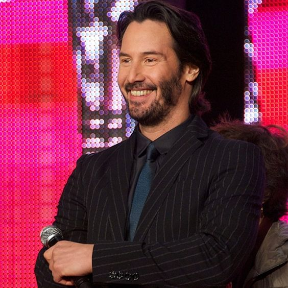 "Keanu Reeves is all smiles during the world premiere of his film ""47 Ronin"" in Tokyo."