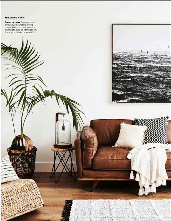 Cùng sofa da thật tphcm tạo nên không gian sống ấm cúng