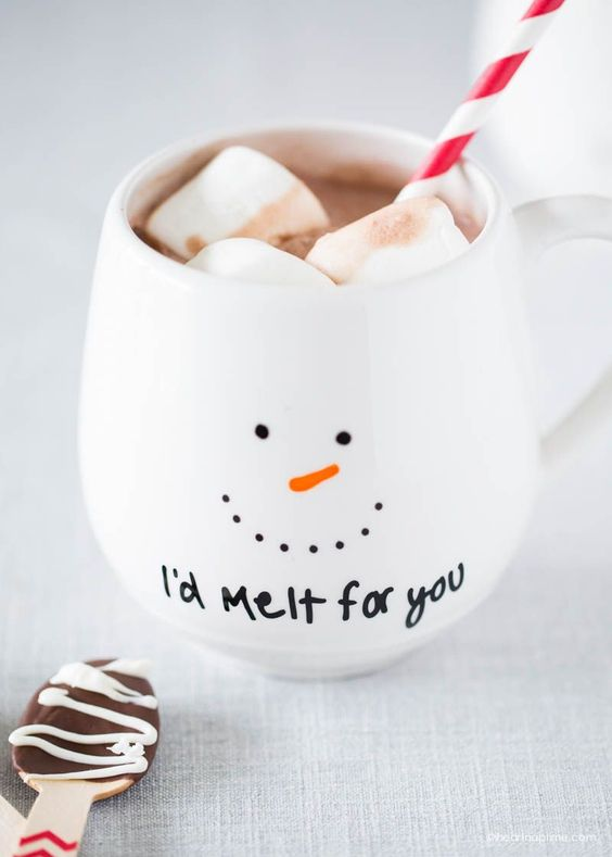 DIY snowman mug gift - 18 Sweet DIY gift ideas for him - TodayWeDate.com