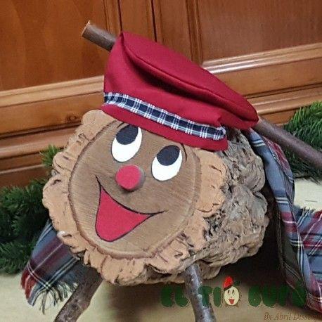 El Tió grand amb Barretina 38-19 x 18. Compra online el tió pintat a mà y amb tots els complements: barretina, manta i bastó. El cagatió és una de les tradicions de Nadal a Catalunya.